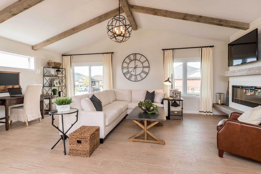 Rosewood Livingroom